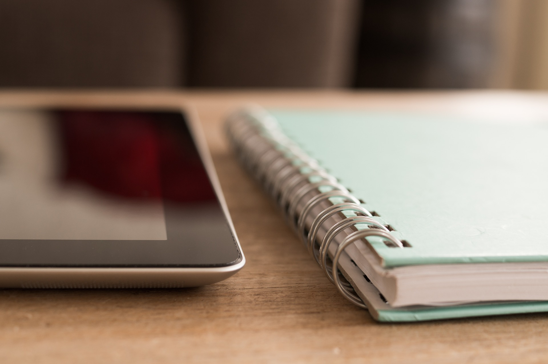 notebook-738794_1920